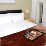 Serviced Apartment - Spacious Deluxe Bedroom 5