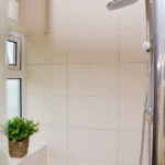 Serviced Apartment - Ensuite Bathroom (1FG11)