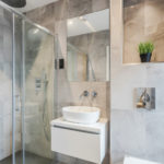 3 Bed Executive Apartment - Modern Ensuite Bathroom
